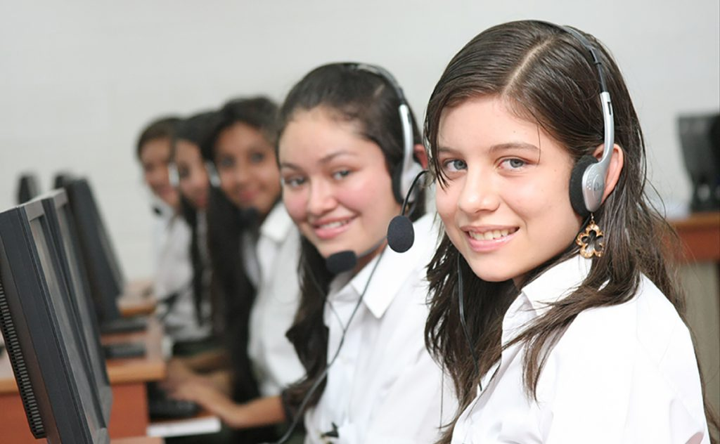 Girls learn new skills at an MCC-funded high school in El Salvador's Northern Zone.