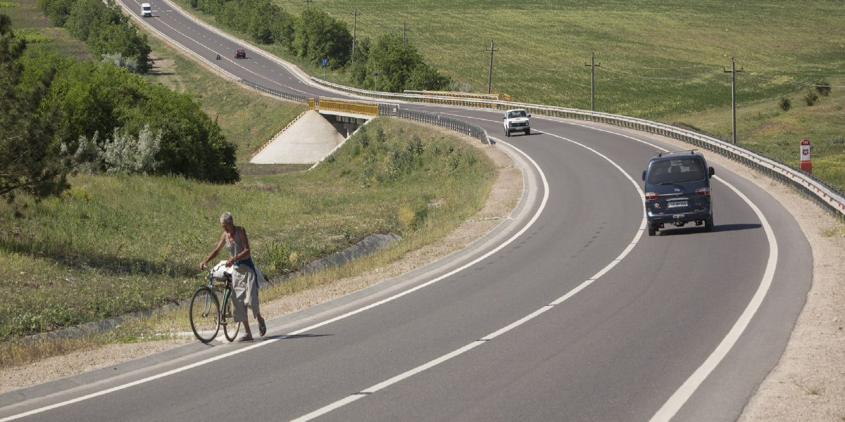 The 93km stretch of road from Sarateni to Soroca, rehabilitated under MCC's Moldova Compact, is in use and being enjoyed by travelers.
