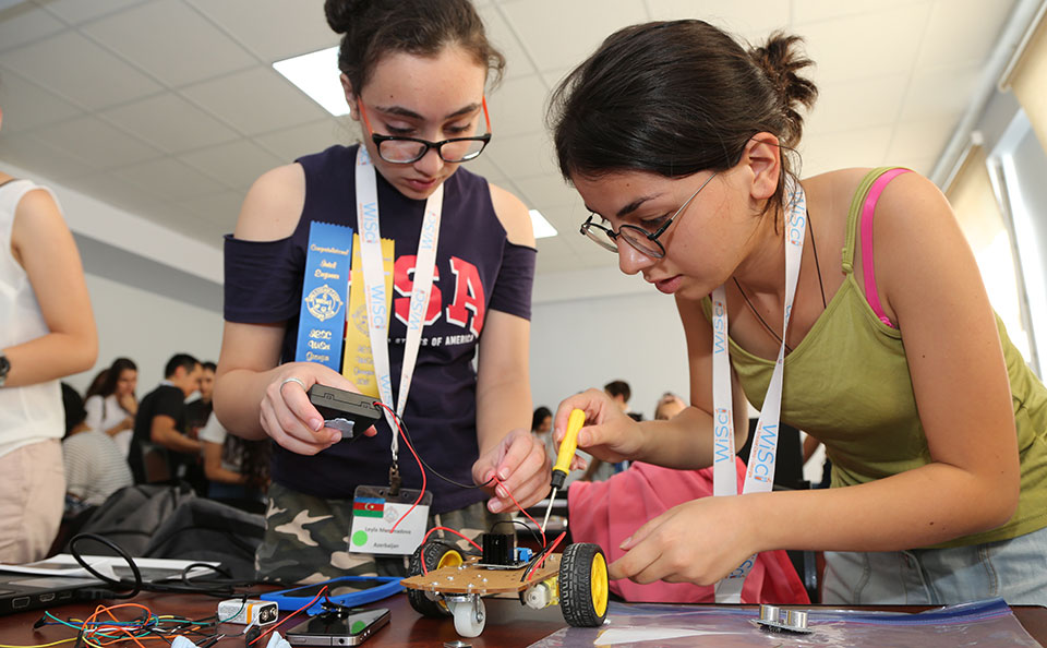 The Intel engineers also led an exercise where the campers had the opportunity to build robot cars.